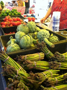 Lots of fresh and vibrant produce is sold by local farmers at a great price (Photo by Stephanie V. Coleman).