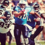 Bo Scaife of Tennessee Titans runs for the end zone to score a TD vs. the Jacksonville Jaguars. (Photo provided by Fresh Ed.com)