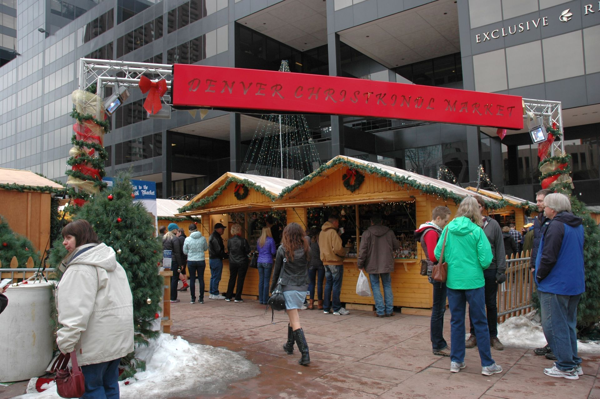 Dec 03,  · The Christkindl Market is a beautiful winter tradition that takes place in Germany annually. The festival hosts vendors selling traditional German food, drinks, and items to prepare for the.