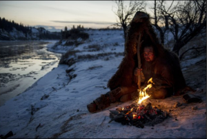 A frontiersman named Hugh Glass on a fur trading expedition in the 1820s is on a quest for survival after being brutally mauled by a bear.